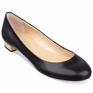 🔻🔻🔻CLEARANCE!!! Marc Fisher Black Leather Flats